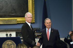 El auténtico Sully junto al alcalde Michael Bloomberg