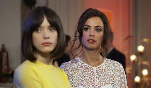 Stacy Martin y Bérénice Bejo en MAL GENIO
