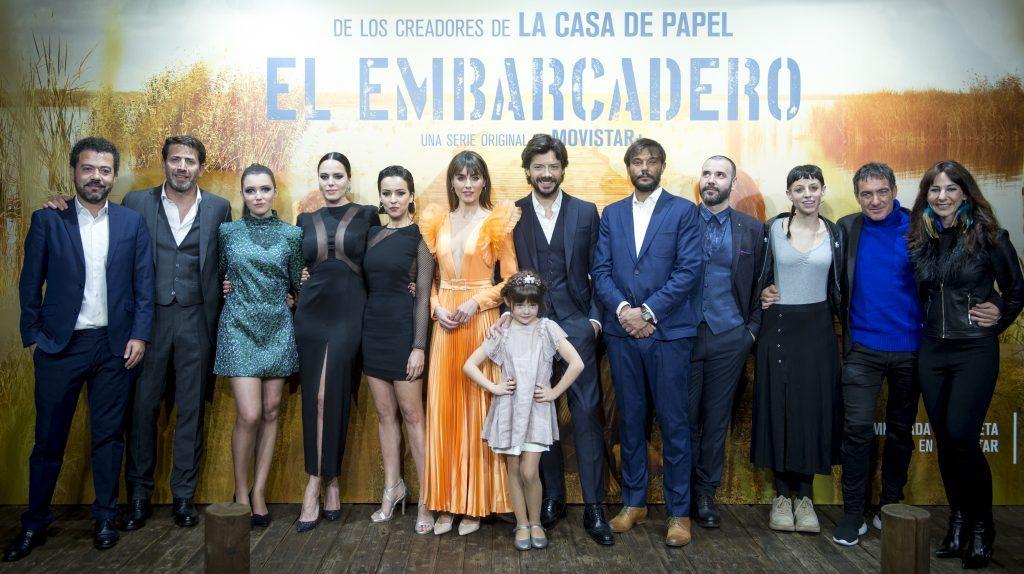Equipo y reparto de El Embarcadero en la Premiere en Valencia
