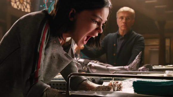 Alita se desespera con el doctor Ido
