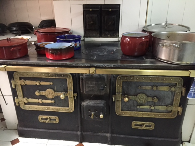Cocina de hierro en Casa Morán