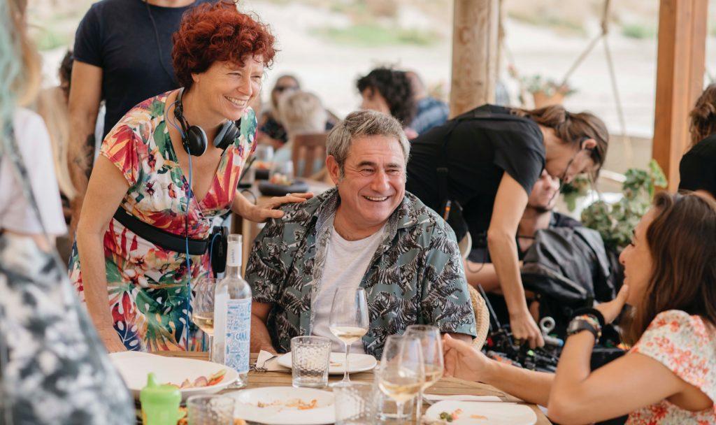 Bollaín junto a Sergi López - La boda de Rosa