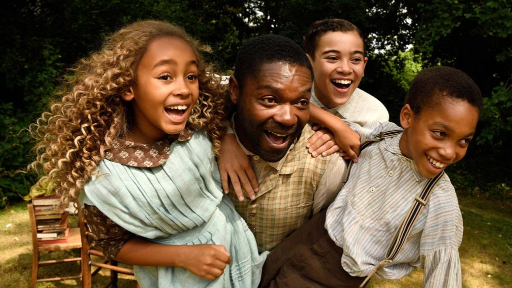 Los tres hermanos Littleton con su padre, antes de que el mayor fallezca - Erase una vez