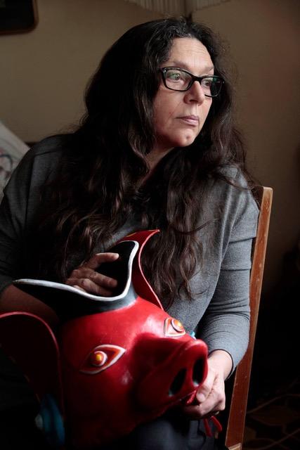 Alicia Martínez Álvarez en su estudio en Ciudad de México.