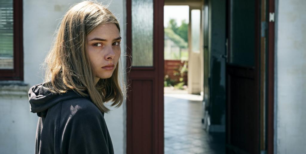 Wildland. Ida (Sandra Guldberg Kampp) comienza su nueva vida con desconfianza