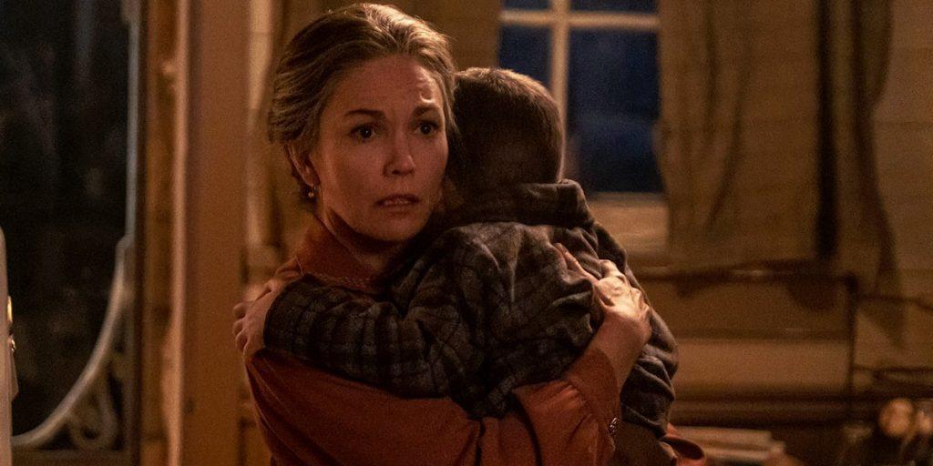 Margaret (Diane Lane), con su pequeño nieto, en Uno de nosotros