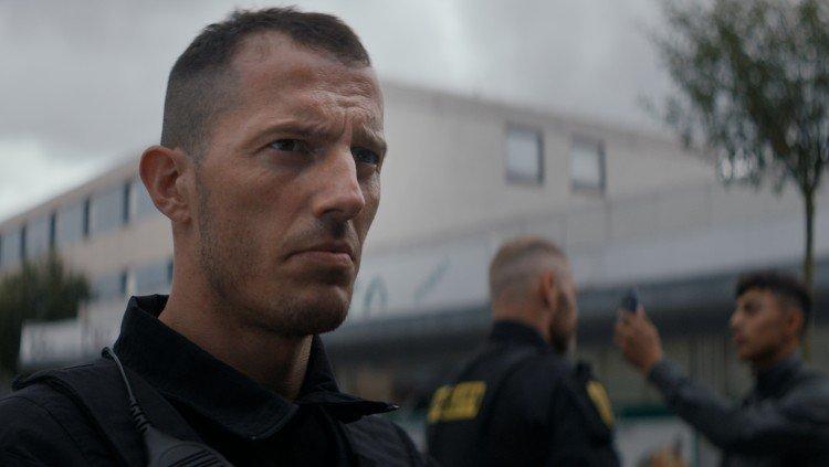 Jens (Simon Sears), el poli bueno en esta película, en Shorta. El peso de la ley