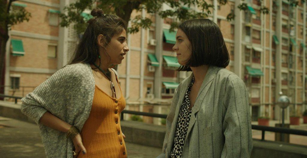 Chavlas. Carolina Yuste y Vicky Luengo en una de las secuencias más llamativas de la película