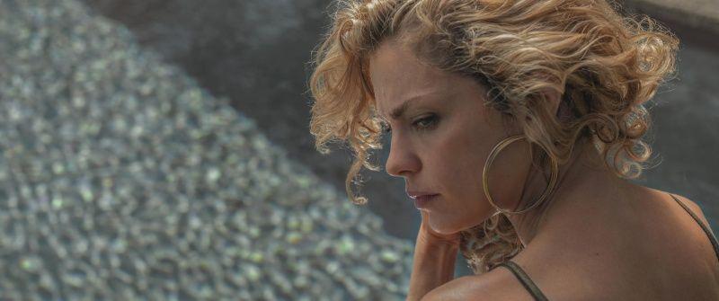 Dolores Fonzi es Carola, una madre dispuesta a todo para recorrer la distancia de rescate en